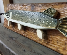 Hand-Carved-Northern-Pike