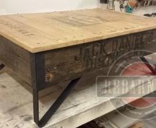 Jack-Daniels-Table