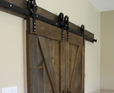 Double-Z-Braced-Byparting-Barn-Doors