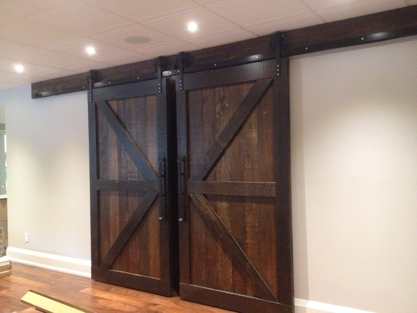 Double Set Of Double Z Barn Doors Rebarn Toronto